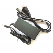 AC 13.8V 2A Lead Acid Accumulator Battery Charger Power Adapter
